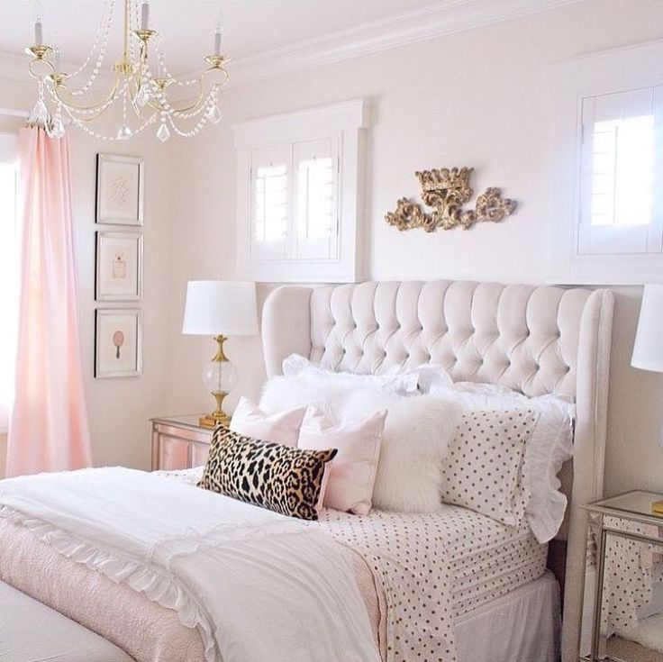 1196 best chambre coucher images on pinterest for Chambre a coucher capitonne