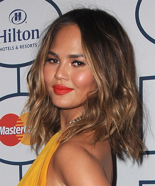 Christine Teigen Hairstyle - Casual Medium Wavy. Click on the image to try on this hairstyle and view styling steps!