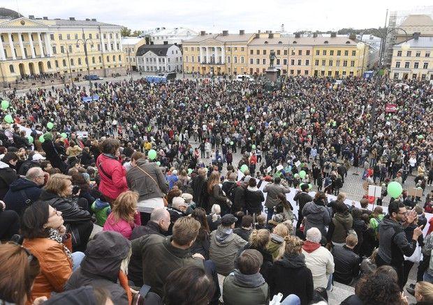 24 settembre. manifestazione contro il razzismo ad Helsinki © EPA