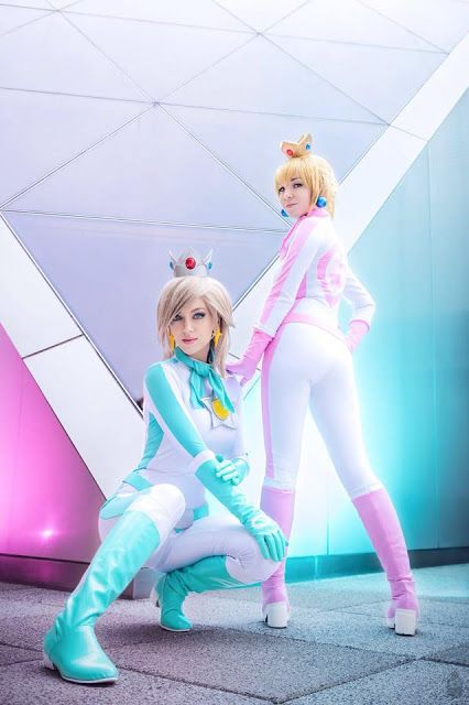 El Arte Cosplay: Mario Kart 8 - Rosalina and Peach Cosplay