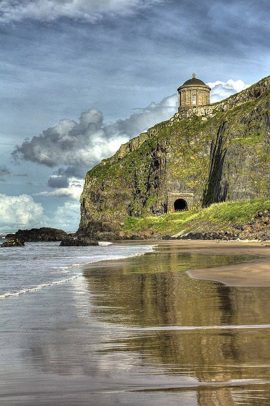 Mussenden Temple, Downhill beach, Northern Ireland