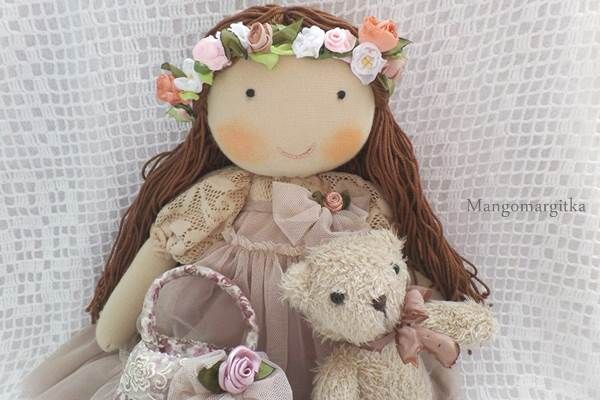 Bűbájos babák, szeretettel varrva. Mangomargitka egyedi tervezésű kézműves textiljátékai