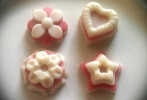 "Whether your telling that special someone you love them or your to simply pamper yourself,  this "" Love You "" massage bar is all you need!   This is an uplifting combination of Jasmine, Rose Geranium, and Bergamot. Meant to excite your senses and promote an uplifted confident spirit with a focused and calm mind. Floral and sweet. https://www.etsy.com/listing/220799720/doc-loodys-love-you-massage-bar"