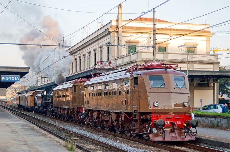 FS E428 226, Train leaving Pistoia station.