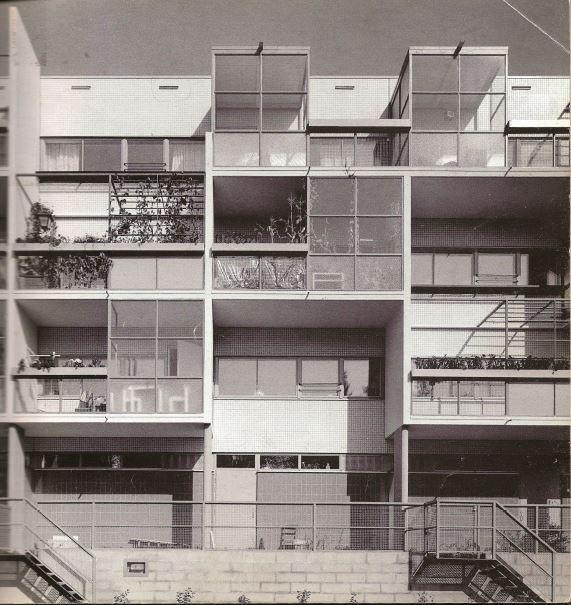 Edificio de viviendas en Hiilarankaari, Espoo (Finlandia). Erkki Kairamo,1983.
