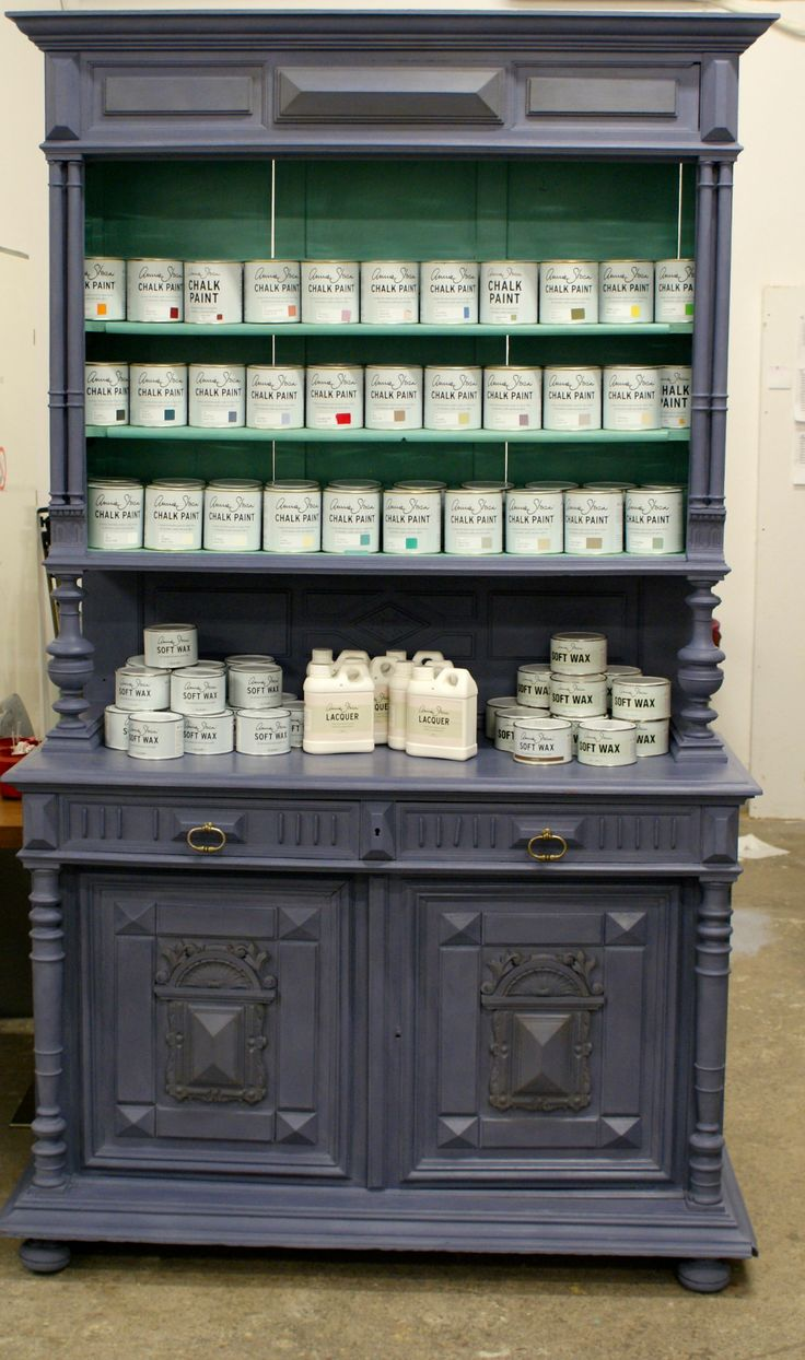 Chalk Paint™ decorative paint by Annie Sloan: Old Violet & Provence