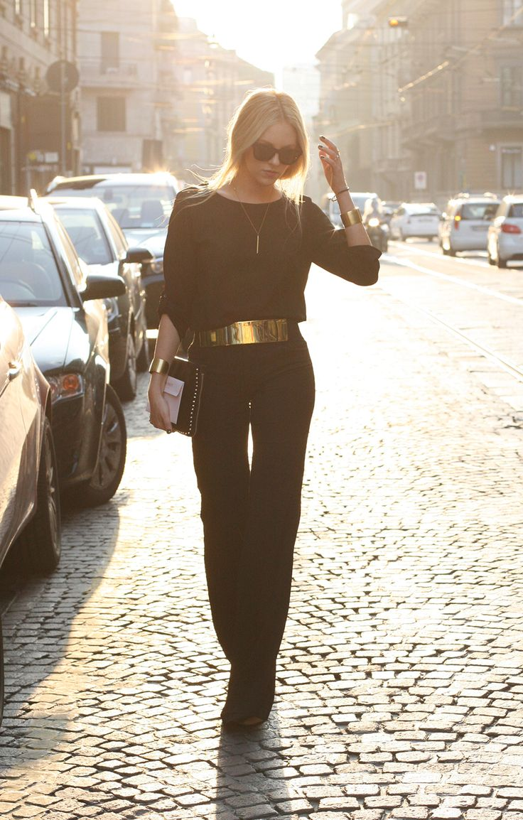 black + gold: Gold Outfit, Gold Belts, Style, All Black, Metals Belts, Black Gold, Gold Accent, Black Jumpsuits, Street Chic