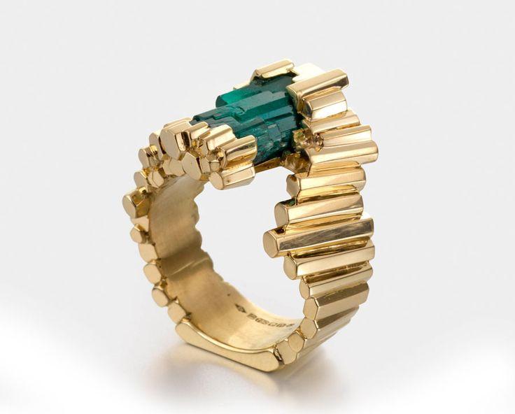 Ornella Iannuzzi 'L'exceptionelle Emeraude' with emerald crystal set in gold.