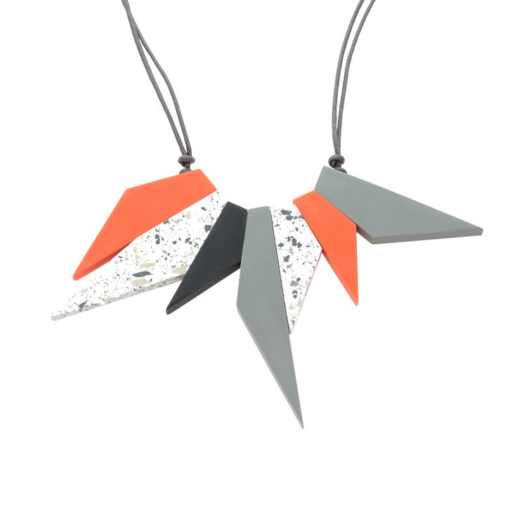 Buy the Poppy Spiky Collar Necklace at Oliver Bonas. Enjoy free worldwide standard delivery for orders over £50.