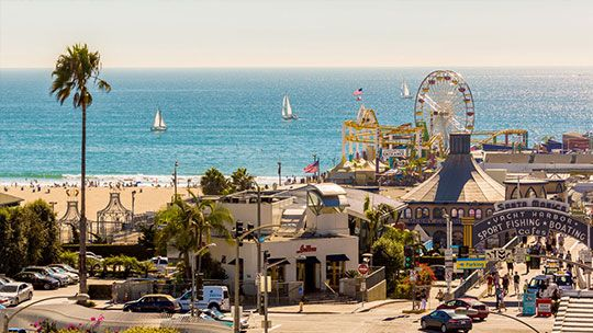 Enjoy shops, restaurants, the aquarium, fun things to do, games & rides on Santa Monica Pier & indulge on fresh seafood at the restaurants on Ocean Ave.