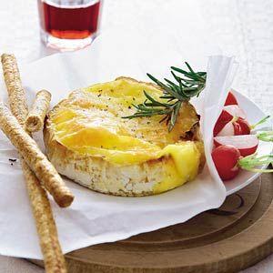 Camembert uit de oven met rozemarijn - Mijn Favoriete AH recept - Monique van Haeren - Albert Heijn