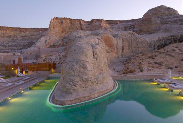 Lake Powell Pool Utah Deep In The Desert Canyons This