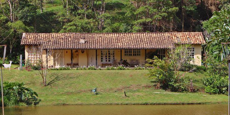 Casa Chalé na Fazenda Santa Marina, no município de Santana dos Montes, que faz parte da Estrada Real e do Circuito Villas e Fazendas.