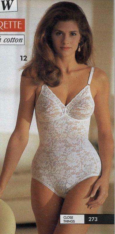 N°1 des sites de lingerie féminine. Lingerie et maillots de bain de marques pour tous les prix et dans toutes les tailles. LIVRAISONS ET RETOURS GRATUITS.