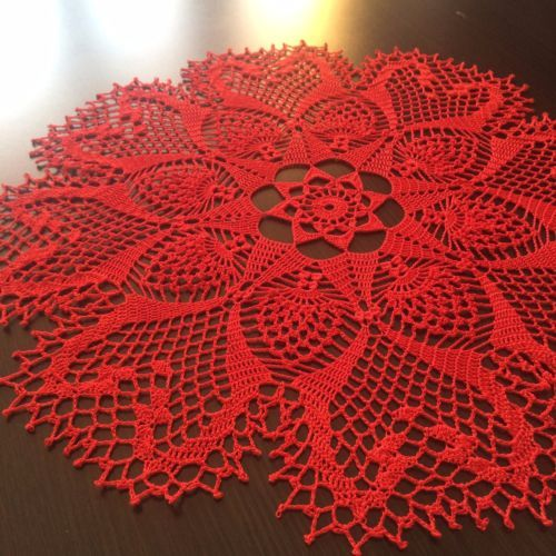 Red-Hearts-Handmade-Lace-Crochet-Doily-Centerpiece-Tablecloth-Wall-Decor