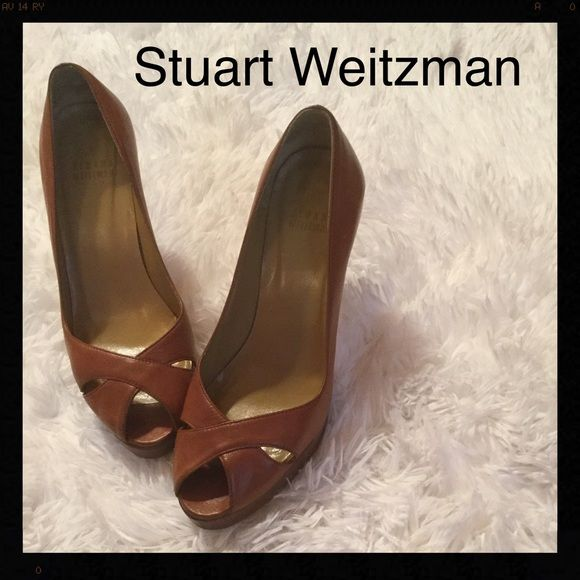 STUART WEITZMAN platform heel Beautiful I inch platform with a 4 1/4 inch heel, brown leather with a peep toe, a really stylish heel Stuart Weitzman Shoes Platforms