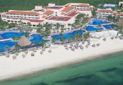 The Best Cancun Resorts for Families (Beware, Yours Might Never Want to Leave): Palace Resorts