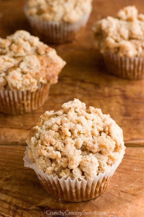 Cinnamon Coffee Cake Muffins from crunchycreamysweet.com @CrunchyCreamySw