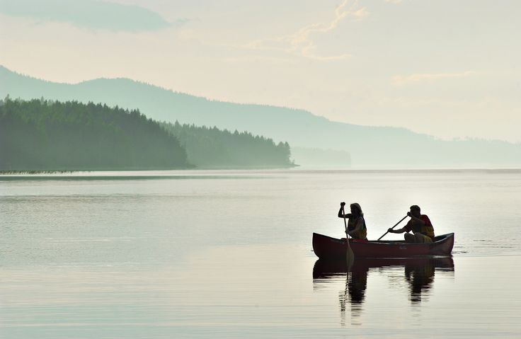 Paddling in Koli National Park. It's easy to see why this spot has attracted so many Finnish artists, photographers and nature-lovers over the centuries. The splendid scenery always instills a sense of serenity and wonder in visitors. Koli's hills and lakes provide fine settings for enjoyable outings and activities at any time of year.