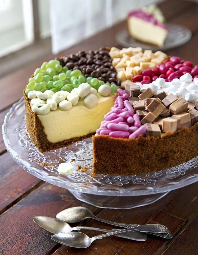 Kinuskikissan sektorikakku. Candy cake by Kinuskikissa.   Unelmien Talo&Koti Kuva ja ohje: Sini Visa