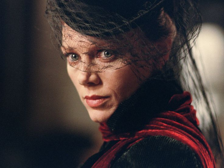 Peta Wilson as Mina Harker in 'The League of Extraordinary Gentlemen'