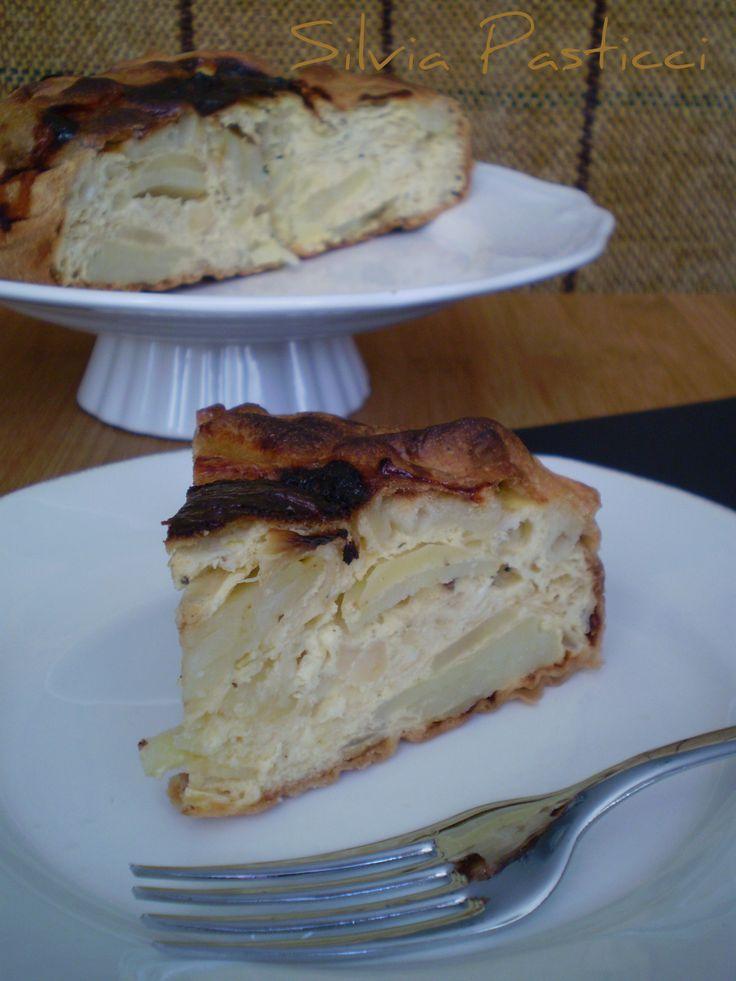Torta rustica di patate e cipolle.