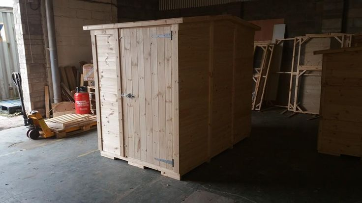 The veiw of a Guinea pig Shed size 7x5x6.5ft Bespoke and Handmade