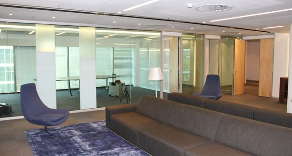 A range of ACOUSTIC TREATMENT SOLUTIONS were installed at Deutsche Bank Sandton including GF Serene, Varikust acoustic doors and slotted absorption panels.