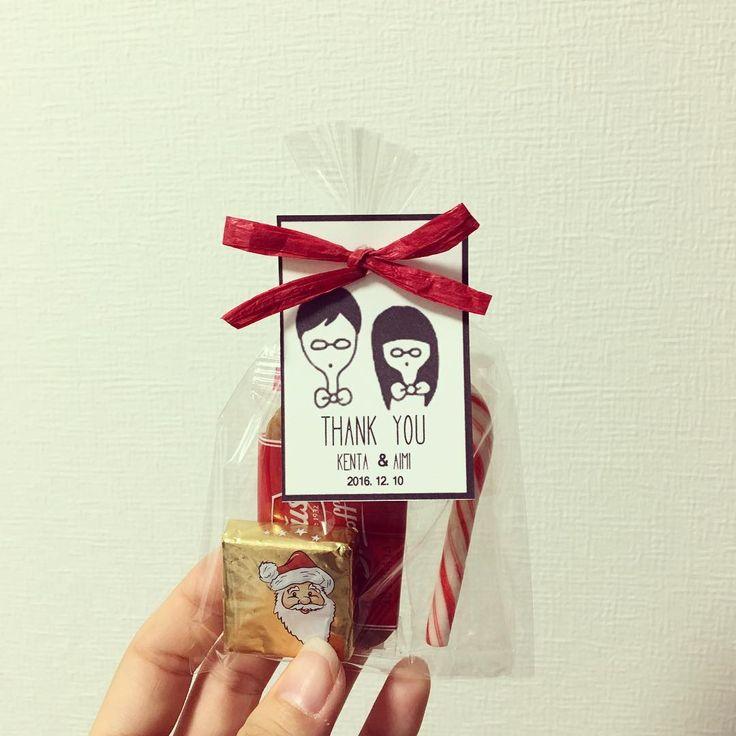 披露宴のプチギフト⁽⁽ ◟(灬 ˊωˋ 灬)◞ ⁾⁾ 自分で作ったオリジナルタグに 12月に結婚式なのでクリスマスっぽいお菓子を詰めました めっちゃかわいい♡←自己満 形になるとうれしいですね  #プチギフト #プチギフト手作り #サンキュータグ #サンキュータグ手作り #サンキュータグdiy #結婚式準備 #2016冬婚 #京都花嫁 #marry花嫁 #プレ花嫁