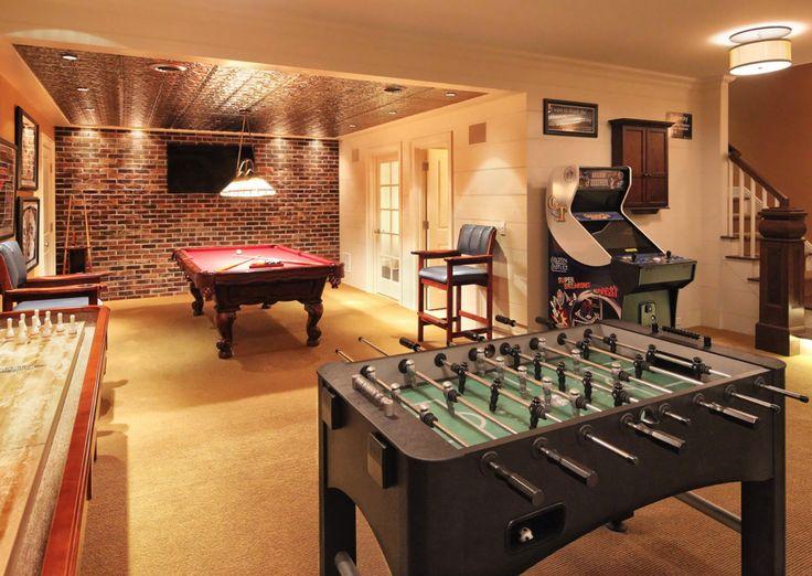 pin von aaron daywitt auf man cave pinterest partyraum partykeller und heimkino. Black Bedroom Furniture Sets. Home Design Ideas