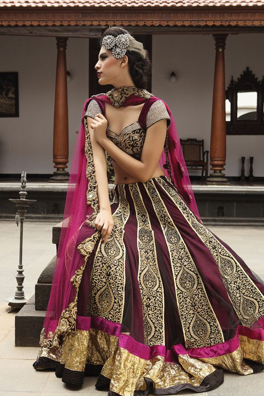 stunning deep magenta outfit with gold linings. Absolutely love this outfit!