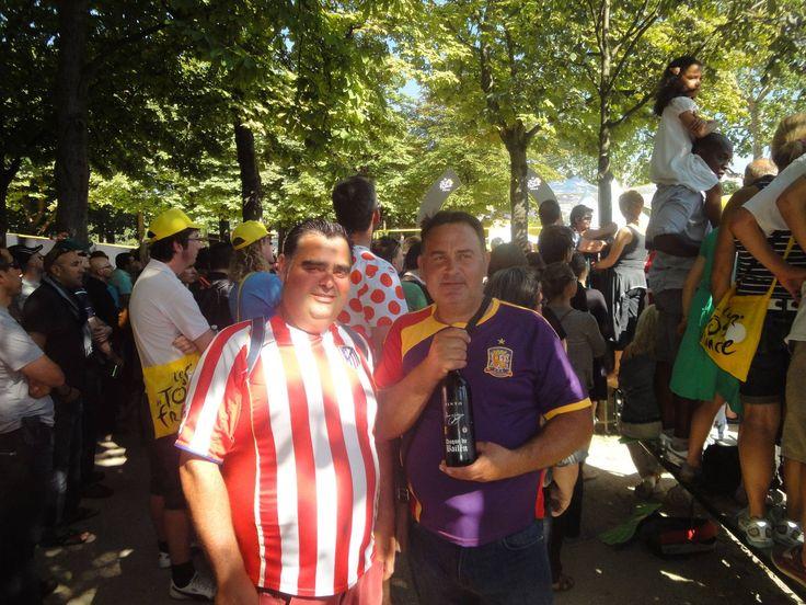 En el final del tour de Francia 2012  los hermanos Chicharro desde Paris, el próximo domingo pondremos la de 2013 y esta vez los dos con la camiseta republicana, salud y Republica!!!!!!
