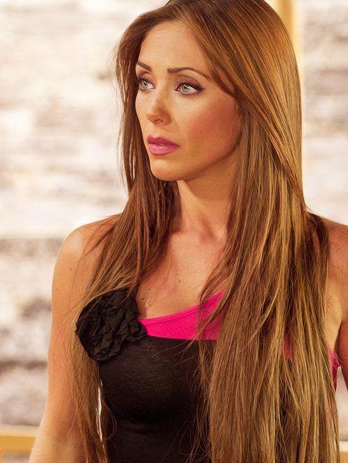 ¡Anahi, hermoso su cabello largo¡