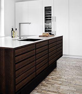 Køkken - klassisk, minimalistisk og grebsløst.