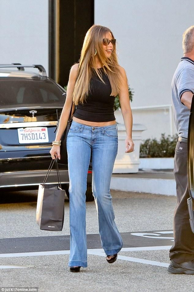 Sofia Vergara wearing Hudson Ferris Flare Jeans in Mission Control and Getting Back to Square One Tank