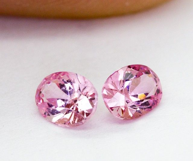 2 x 0.360Ct Spinel High Quality Cutting