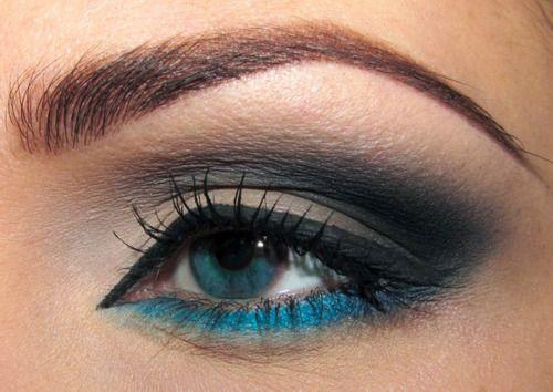 smoky eye w/ blue eyeliner