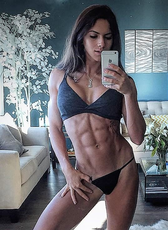 Aspen Rae Nude Photos 20