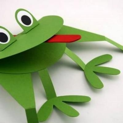 frog craft - I like the red craft stick for the tongue.