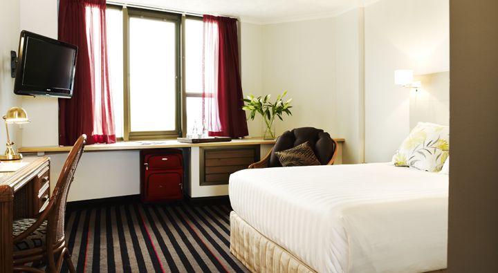 A Standard Queen Room at Rydges Townsville.