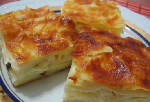 """#Burek #recept (recept za Börek) potiče iz turske kuhinje. Turska kuhinja je poznata mnogo vrsta ukusnih pita i peciva, koje su slojevite, i sve pod nazivom """"burek"""" (Buhr-ECK). """"Börek"""" – burek recept je napravljen od slojeva razvijenih kora (nazivaju se yufka ili phyllo). Burek može biti različitih oblika ili veličina, filovan mesom, sirom, spanaćem ili krompirom. #recepti #kuvar http://www.recepti-kuvar.rs/recept/burek-recept-borek-recepti-kuvar/"""