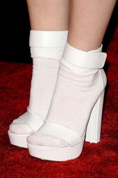 "White heels ""0"""