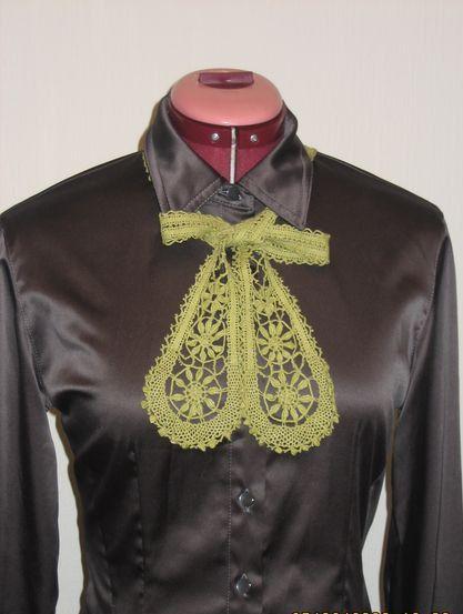 Bobbin Lace Collar- Necktie. $35.00, via Etsy.