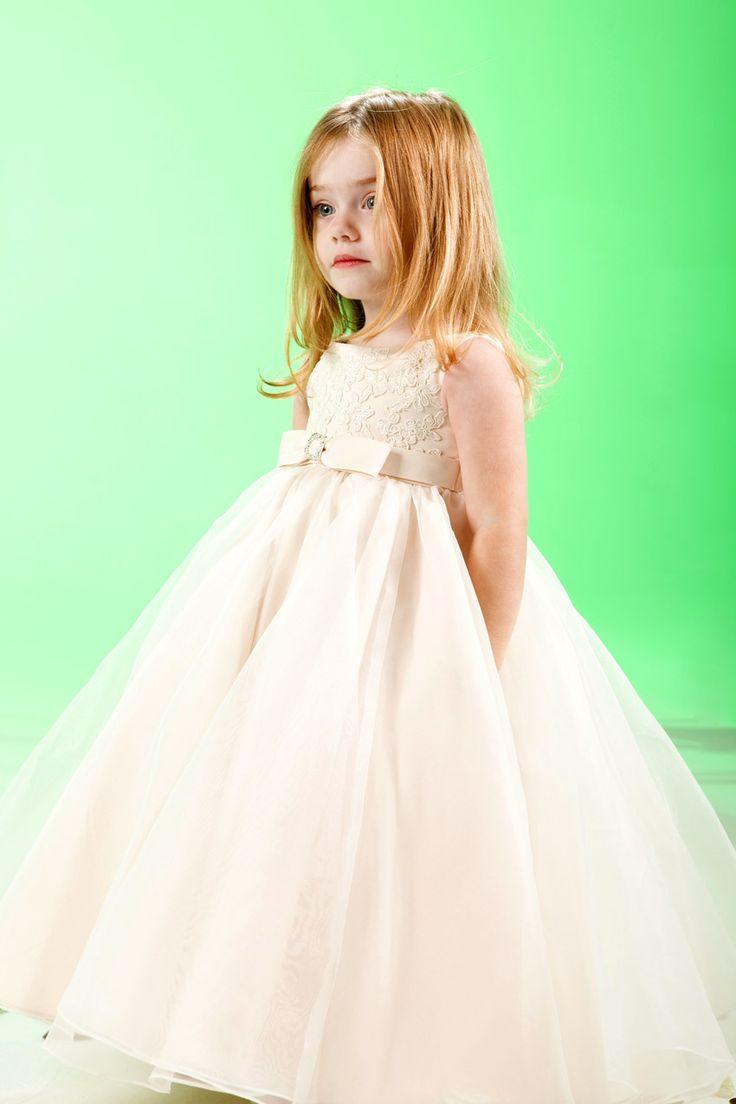 Little princess sleeveless satin dress for flower girl