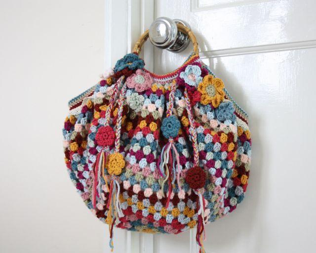 Crochet granny bag (pattern is in blog).