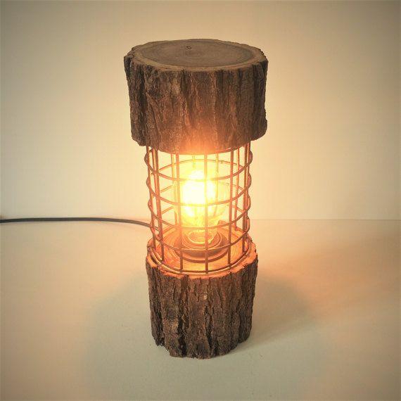 Rustikale Log Licht Lampe Rusty Metall Holz ungewöhnliche Holztisch Lampe Licht Hütte Chic natürlichen Akzent Stehleuchte