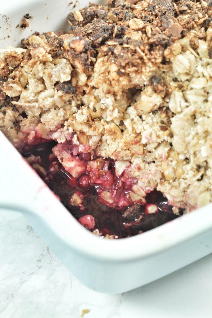Etwas Warmes zum Frühstück: Haferflocken-Crumble mit Beeren