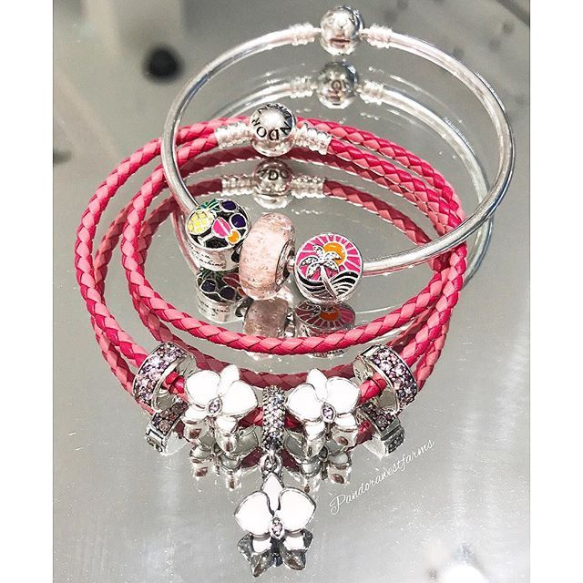 The #new Woven Mixed Pink Leather Bracelet will make the perfect layering piece with other bracelet styles.💗 Visit us at Pandora Westfarms to see the full Summer collection!🐚🌴🐠#pandorastyle #pandorawestfarms #pandora #pandorajewelry #mypandora #pandorainlove #lovepandora #pandoracharms #pandoracharm #pandorabracelet #leatherbracelet #westfarmsmall #westfarms #DOPandora #SS17 #Summer #summer2017