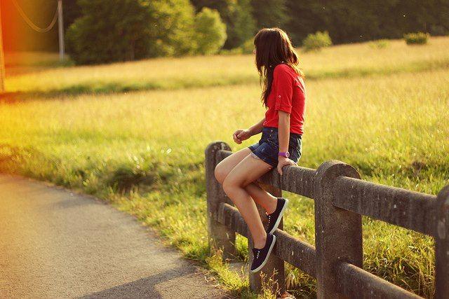 Она сидела на заборе: 20 тыс изображений найдено в Яндекс.Картинках