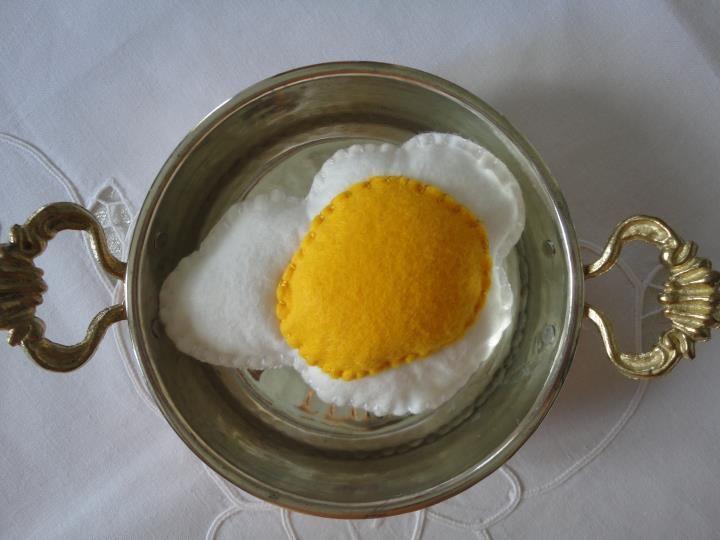 eggs,pin cushion...